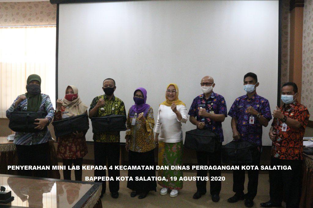 Bappeda Memberikan Bantuan Mini Lab kepada 4 Kecamatan dan Dinas Perdagangan Kota Salatiga